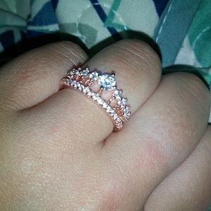 Beautiful crown ring size 6!